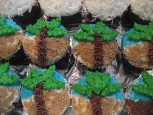 Hawaiian Cupcakes 025
